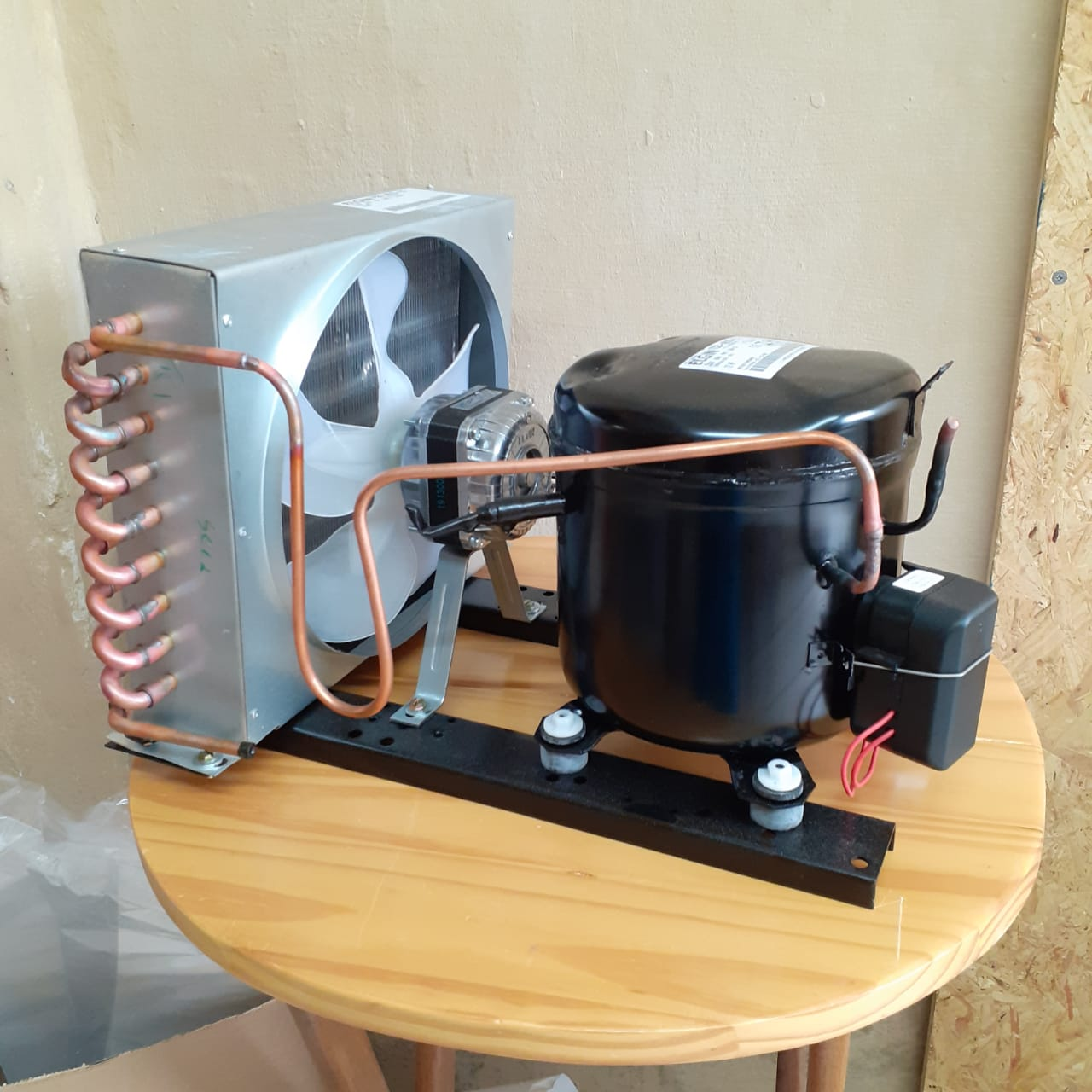 Unidade/base Condensadora Completa Para Refrigerador
